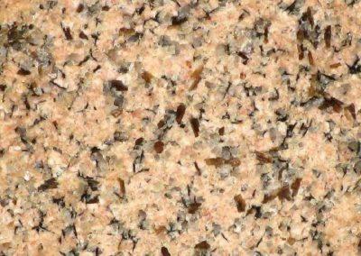 5. Detail van 4. Een steen met wat bruine kwarts.