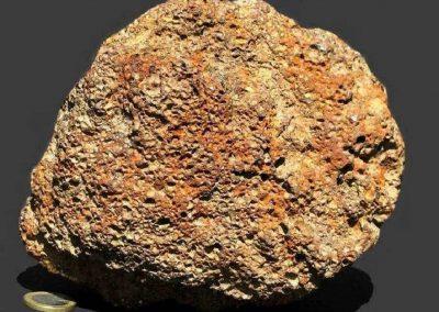 1. Limoniet. Oudeschoot. Dit ijzeroer is afkomstig uit de oevers van de Tjonger. In het verleden werden hier regelmatig kleine stukken gevonden.