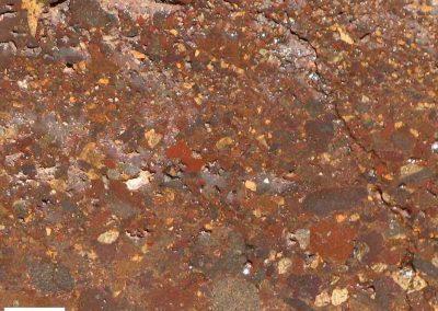 5. Detail van 4. De klasten liggen dusdanig dicht tegen elkaar, dat we ook van een agglomeraat lava kunnen spreken.