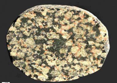 5. Vaggeryd syeniet. Als. Dk. Een met steen 3 vergelijkbaar, maar minder fraai type.