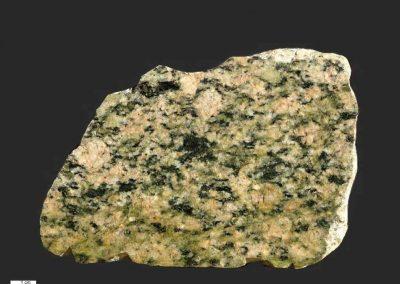 3. Kristinehamngraniet. zlosse steen Värmland. Zw. Een gedeformeerd type.
