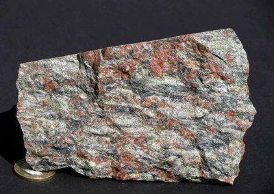 4. Buitenkant van de steen van foto 2.
