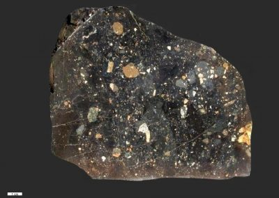 4. Vulkanische breccie. Ny Molle. Een zeer donker type.